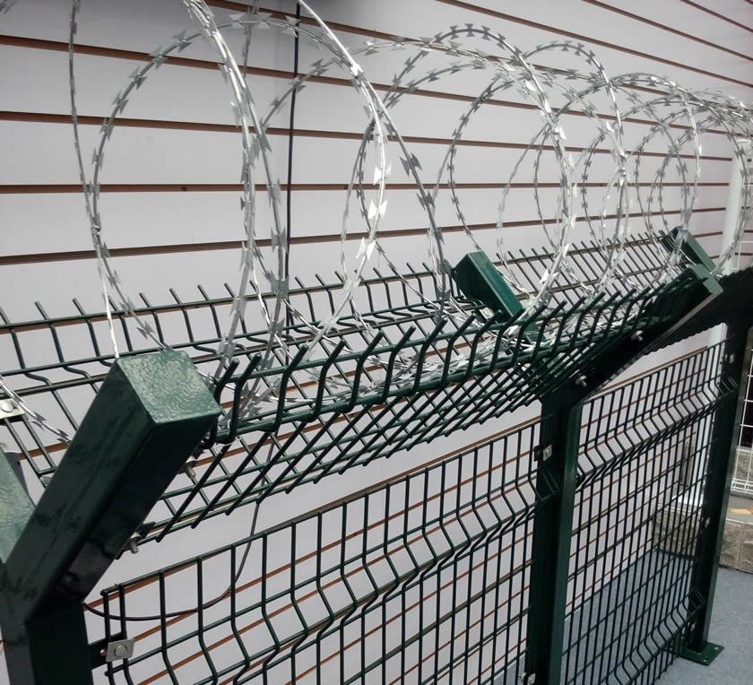 Welded wire chain link concertina for high security