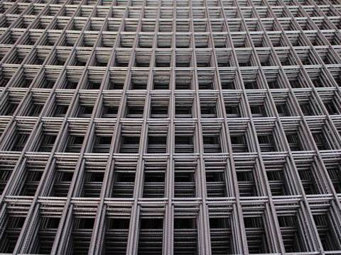 Reinforcing Mesh As Heavy Type Welded Panel For Constructions
