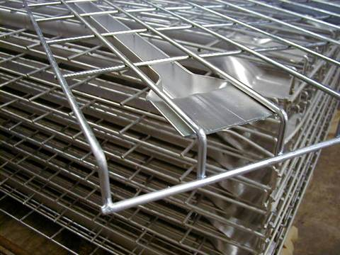 Many sheets of stainless steel wire mesh decking and every sheet has a shovel shaped support.
