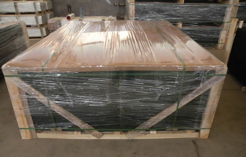 PVC coated welded wire mesh are packed in wooden box and the wooden box is packed in plastic film.